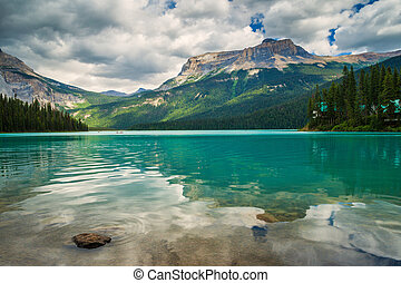 kanada yoho h lzernes haus nationalpark see smaragd kanada kolumbien yoho h lzernes. Black Bedroom Furniture Sets. Home Design Ideas