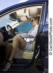 smart, kvinna, i bilen