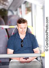 smartphone, autobus, sien, voyager, utilisation, homme