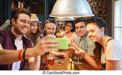 smartphone, barra, toma, amigos, selfie, feliz