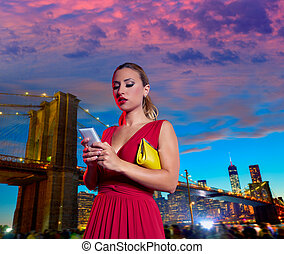 smartphone, blond, skrift, brooklyn, kvinna, pratstund