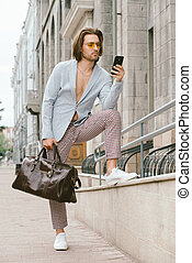 smartphone, ember