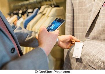 smartphone, feláll sűrű, ruhabolt, ember
