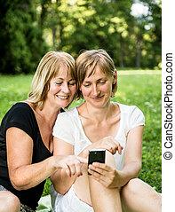 smartphone, figlia, maturo, madre