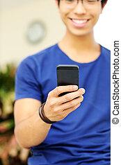 smartphone, foyer, closeup, portrait, utilisation, smartphone., homme