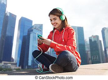 smartphone, frau, glücklich, kopfhörer, junger