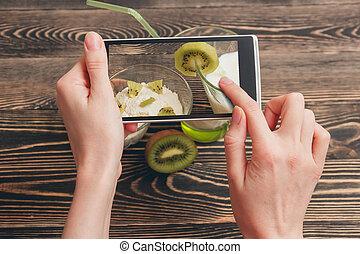 smartphone, kvinnlig, gårdsbruksenheten räcker