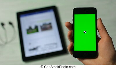 Smartphone Pick Touch Moves before Tablet PC