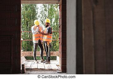 smartphone, site, construction, rire, collègues, heureux