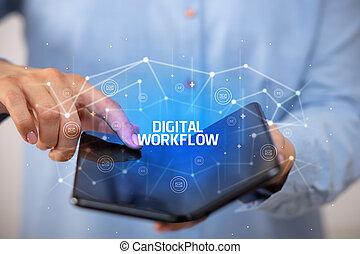 smartphone, technologie, nouveau, foldable, concept, homme affaires, tenue