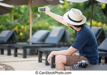 smartphone, tiro, selfie, jovem, asiático, levando, homem