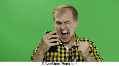 smartphone, utilisation, oui, célèbre, caucasien, geste, homme