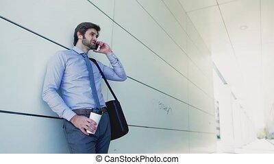 smartphone, ville, jeune, téléphone, dehors, confection, homme affaires, call.