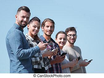 smartphones., nowoczesny, grupa, młodzież