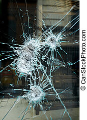 Smashed window - Smashed shop window after an burglary ...