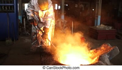 Smelting of liquid metal from blast furnace into the railway scoop container at the metallurgical