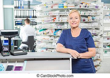 smil, apoteker, læne, hos, indkassere, bagkappen, ind, apotek