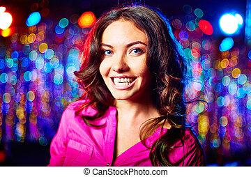 Smiley girl - Portrait of a glamorous smiling girl