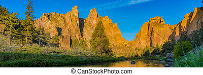 Smith rocks State Park and the crooked River in Oregon at sunrise