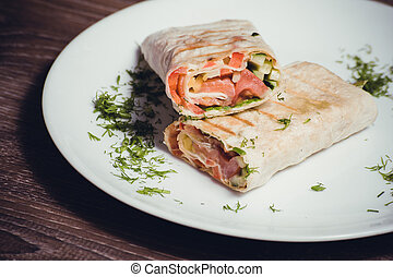 smoked salmon wrap with vegetables