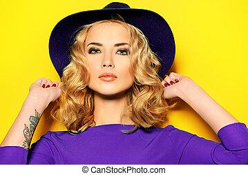 smokey eyes - Bright fashion concept. Beautiful girl with ...