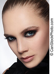 Smoky eyes - Close-up portrait of beautiful stylish young ...