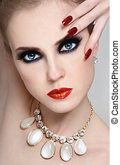 Smoky eyes - Portrait of young beautiful glamorous woman ...