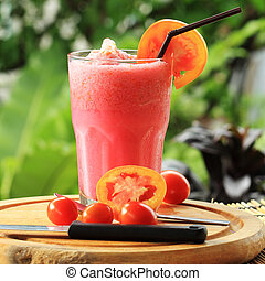 smoothies, rouges, tomates mûres