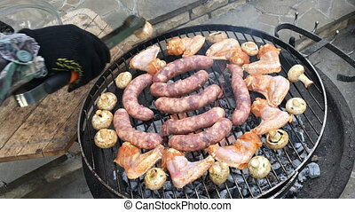Smouldering carbons for barbecuing - Mixed Grill BBQ - Man...