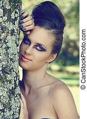 smuk kvinde, hos, dramatiske, øje make-up