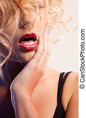 smuk kvinde, hos, rød læbe