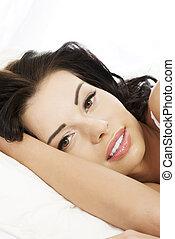 smuk kvinde, unge, seng, glade
