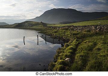 smukke, bjerg, reflekter, sø, solopgang, landskab, i ligevægt