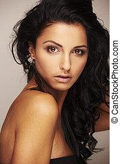 smukke, brunett, model, ind, studio, på, lys, baggrund
