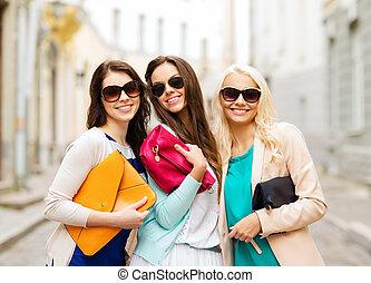 smukke piger, hos, bags, ind, den, ctiy