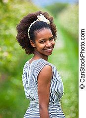 smukke, udendørs, folk, -, unge, amerikansk kvinde, sort, afrikansk, portræt