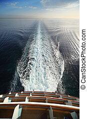 smukke, udsigter, af, agterpartiet, i, stor, cruise, ship., hav, skyline, splashes.