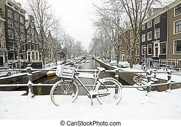 snöig, amsterdam, in, den, nederländerna, in, vinter
