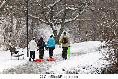 sněžit, hraní