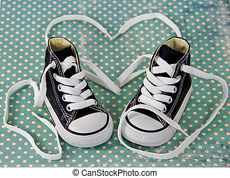 sneakers with shoestring heart - Black and white sneakers...