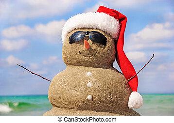 sneeuwpop, gemaakt, sky., concept., tegen, zand, kerstmis, uit