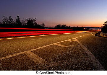 snelweg, op, schemering