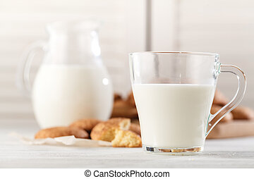 Snickerdoodle cookies with cinnamon and milk
