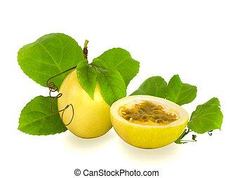 snitt, och, fullständig, passionsfrukt, med, vin, bladen, och, spole, isolerat