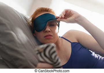 snoozing, wachend, uhr, auf, handy, alarm, bett, frau