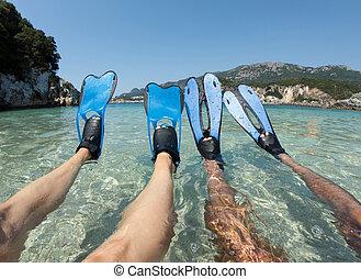 snorkeler, błękitny, para, płetwy