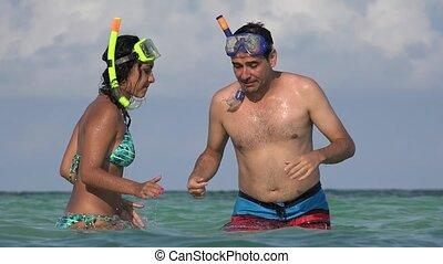 snorkels, gens, océan, amusement, avoir, natation