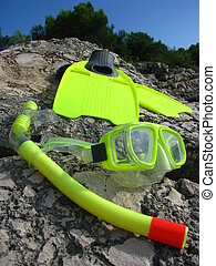 Snorkling mask and fins - Yellow snorkling - swimming mask...
