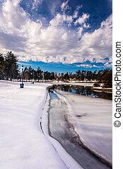 Snow and ice on Kiwanis Lake, in York, Pennsylvania. - Snow...