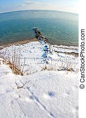 Snow coast oft the baltic sea